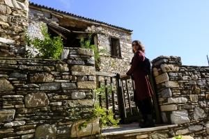 Mütevazı taş evler zamana meydan okuyor