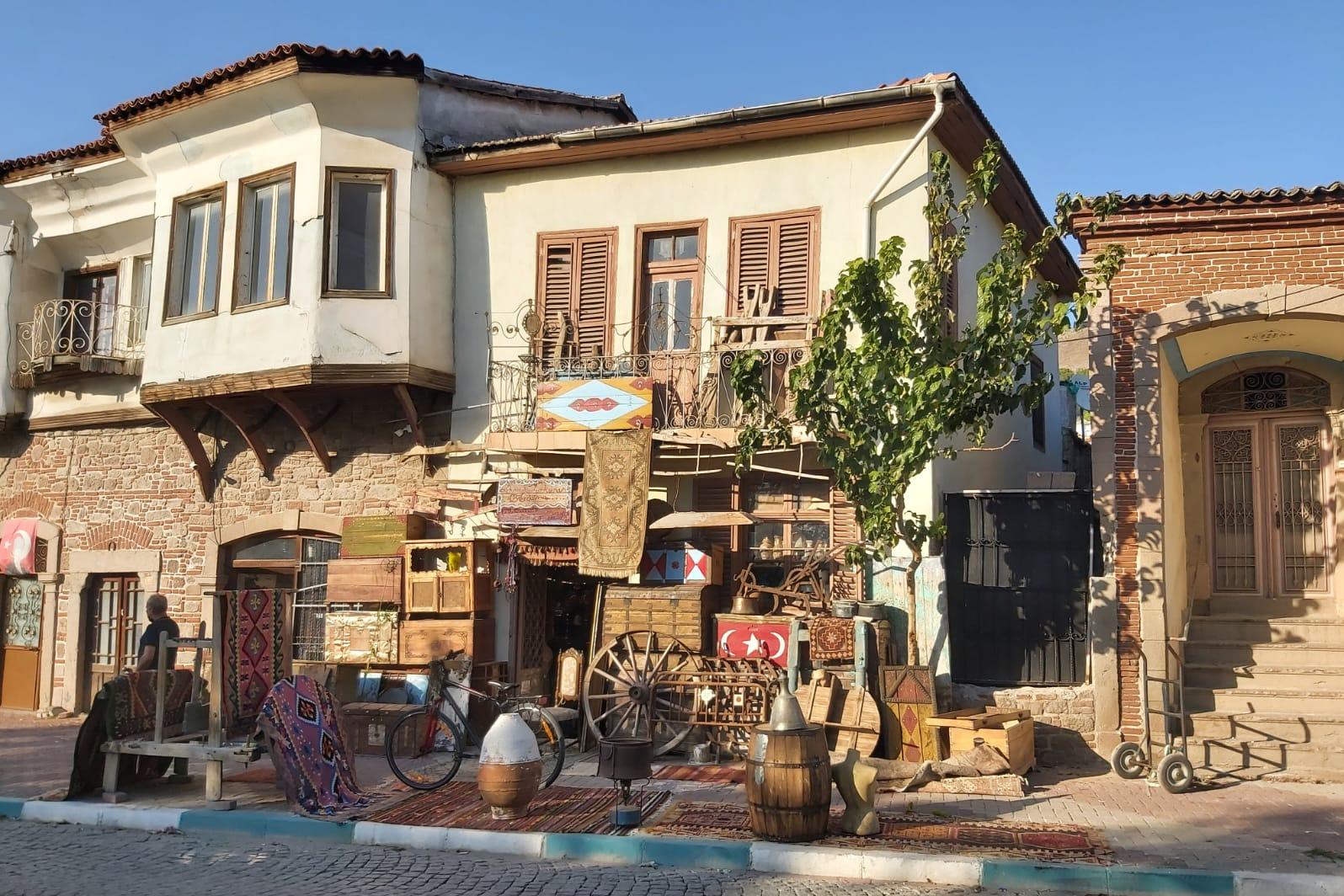 Sokakları tarih kokan ilçe Bergama