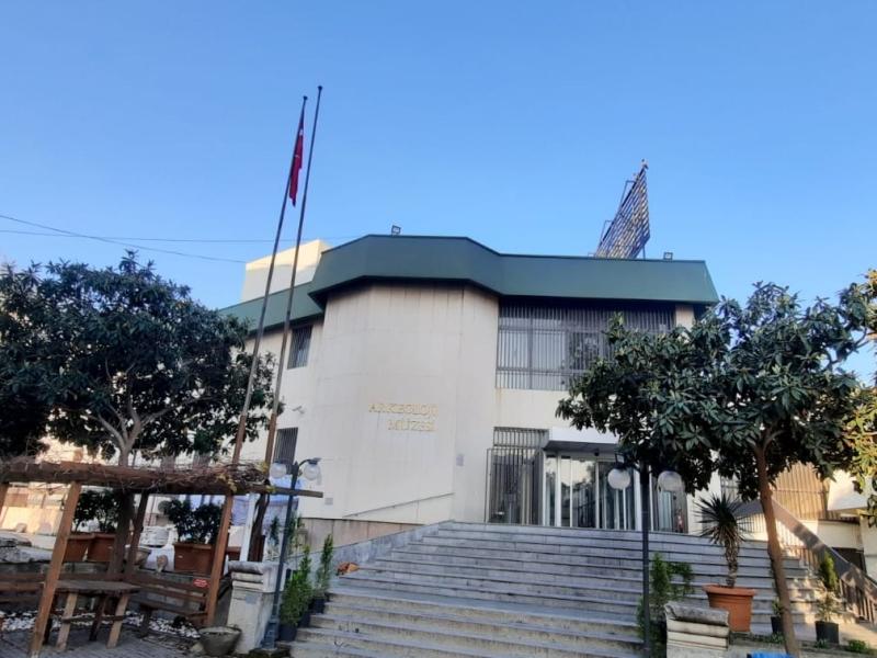 İzmir Arkeoloji Müzesi binası